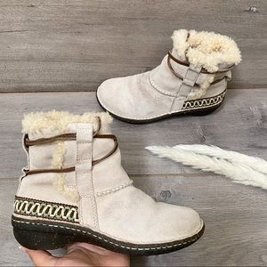 Ugg Cove Suede Leather Boots